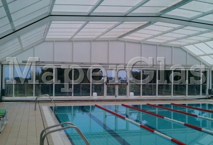 2004 piscine publique can roca for Construction piscine publique
